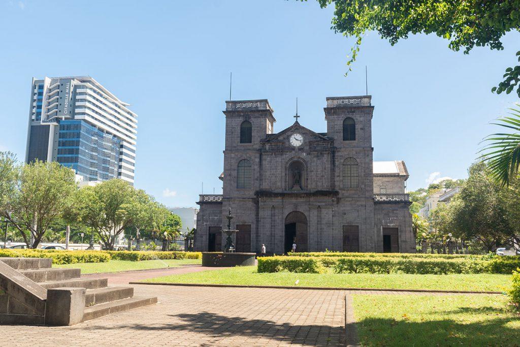Cathédrale Saint Louis devanture de l'église 2 - Ile Maurice