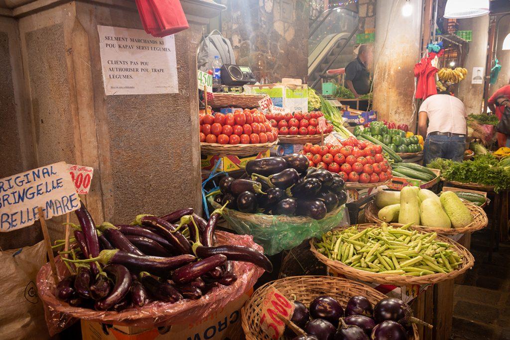 Le marché de Port-Louis - haut en couleur