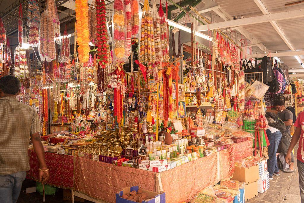 Le marché de Port-Louis - les décorations